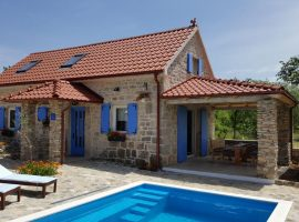 Holiday House MateAna