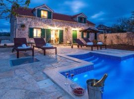 Holiday House Lipa